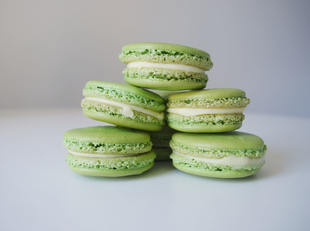 matcha-macarons-fried-parsley