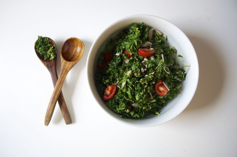 detox-kale-avocado-salad-fried-parsley-copyright