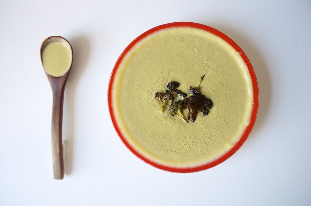 vegan-cream-of-broccoli-soup-fried-parsley