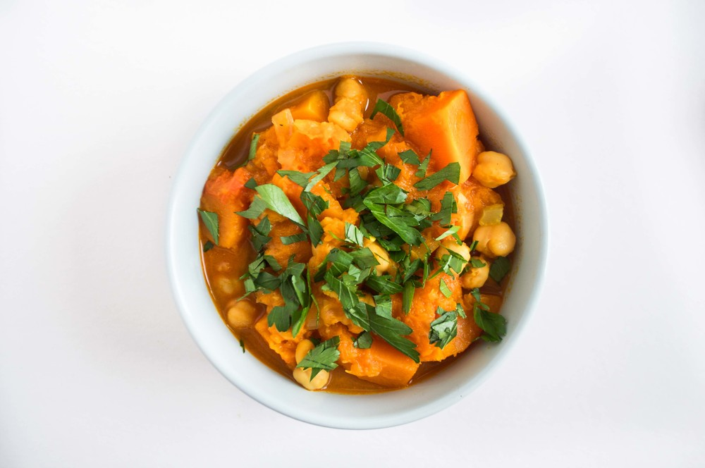 butternut-squash-chickpea-coconut-curry-fried-parsley