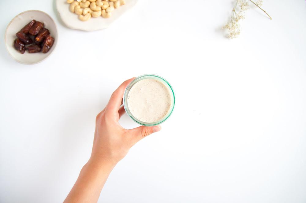 cashew-date-milkshake-vegan-fried-parsley