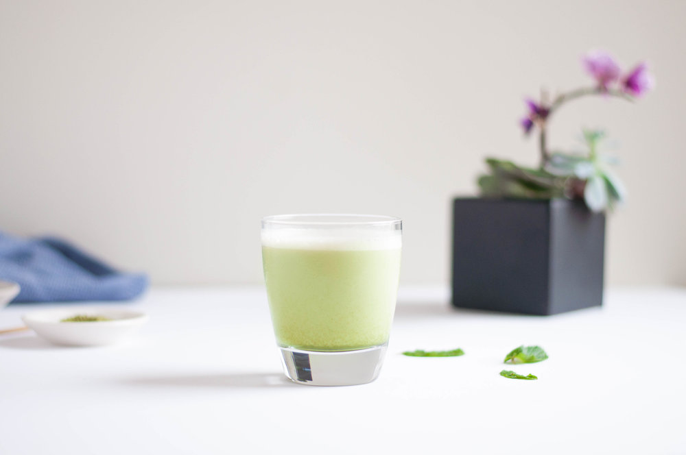 shaken iced matcha latte - fried parsley