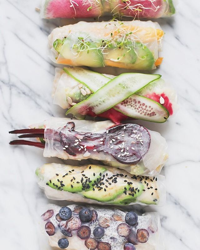Celebrating the summer solstice with some summer rolls! I made these with brown rice and a variety of fruits and veggies: avocado, beets, cucumber, mango, blueberry and sprouts 🌱 I love making a bunch of these and having them on hand as a snack or appetizer. This week has been busy but I can't wait to get back into the kitchen this weekend to make some new recipes. Happy first day of summer!! 🌼🌕☀️💦💕