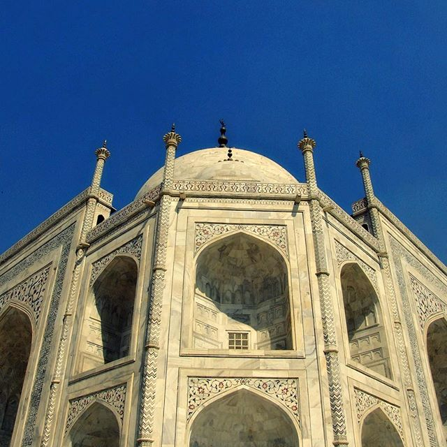 Taj Mahal. India. #architecture #architecturegram #architecturelife #architecturelove #architectureporn #architecturelovers #architect #india #indiagram #indiatrip #indiaphotos #indiatravel #indianculture #india #indialove #indiapictures #indiapictures #architecture_india #travel #travels #traveling #traveller #travelgram #travelingram #travelling #travelphoto #traveldiary #travelpics #travelawesome #traveltheworld #travelarchitecture
