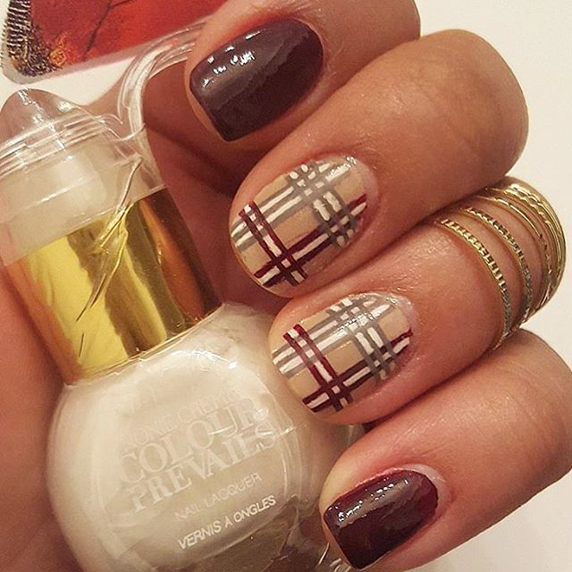 Plaid nails are perfect for a transition from winter to spring. Tag a friend who would love wearing this look by @jdecali! #colourprevails #noniecreme #nails #notd #nailfie #nailstagram #plaid #nailart #walgreens #bbloggers #beauty