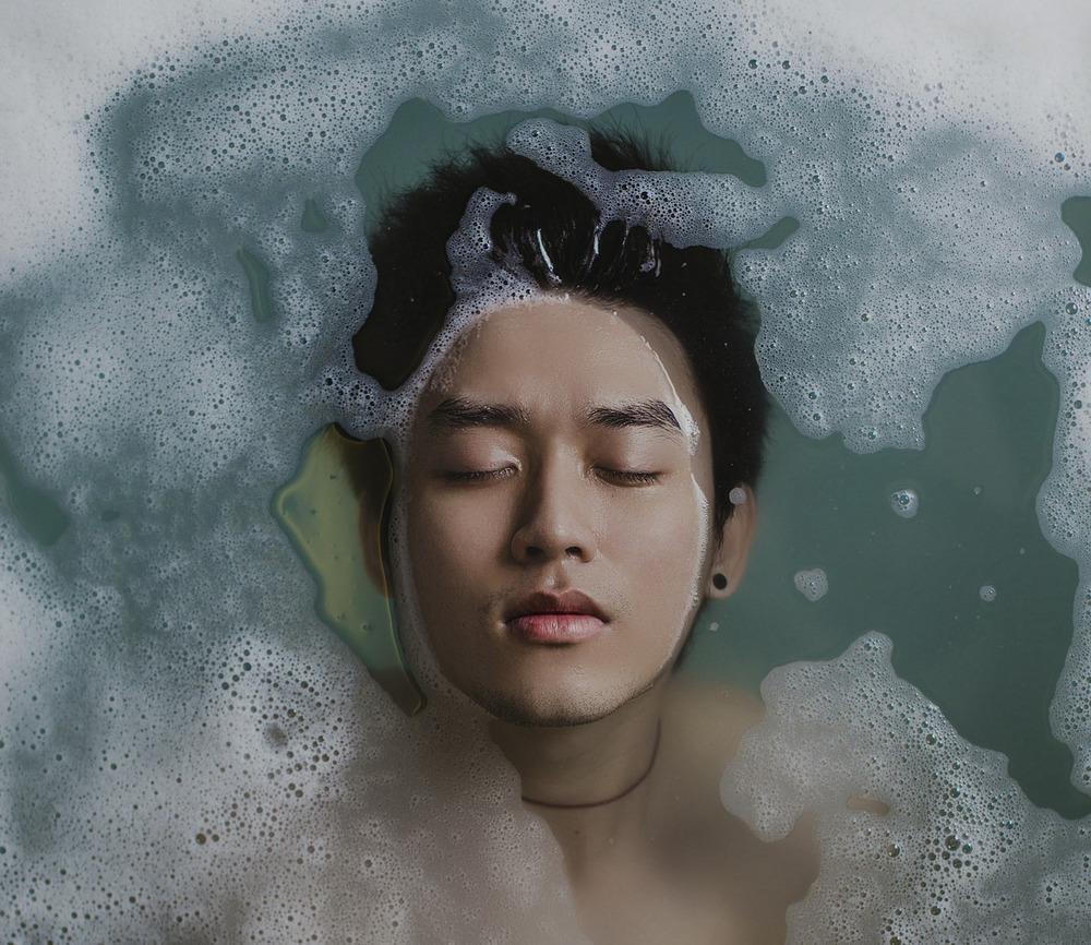 bathing-918720_1200.jpg