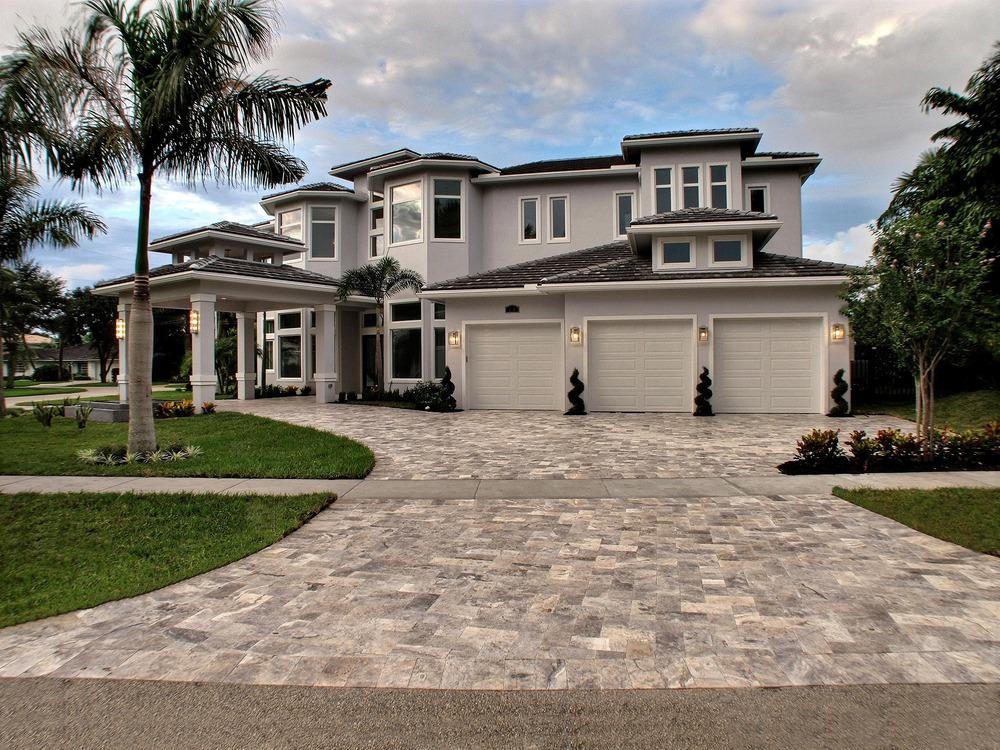 720 NE 34th Street Lake Rogers Isle $2,650,000 Sold Price