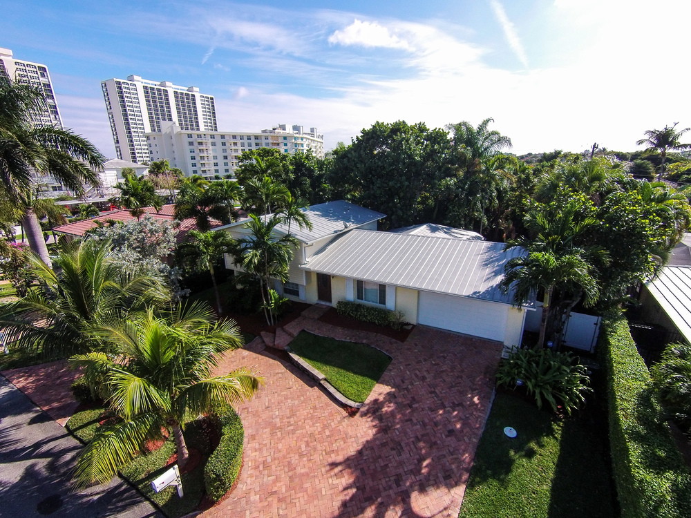 868 Granada Drive - Investor/Rehab Spanish River Land $705,000 Sold Price & $5,000/week (lease)