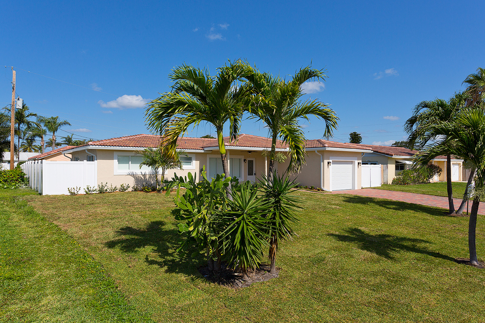2755 NE 5th Ave - Investor/Rehab Boca Woods $180,000 Sold Price & $2,500/month (lease)