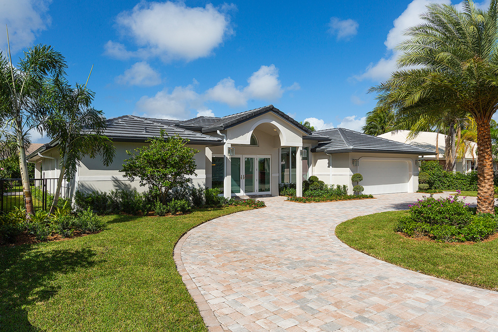 2367 Queen Palm Road Royal Palm Yacht & Country Club $2,500,000 Listed Price (Pending Option)
