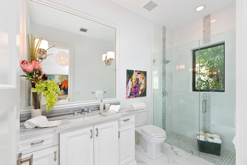 30_Bathroom2.jpg