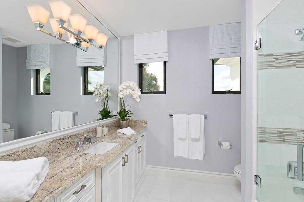 49_Bathroom4.jpg
