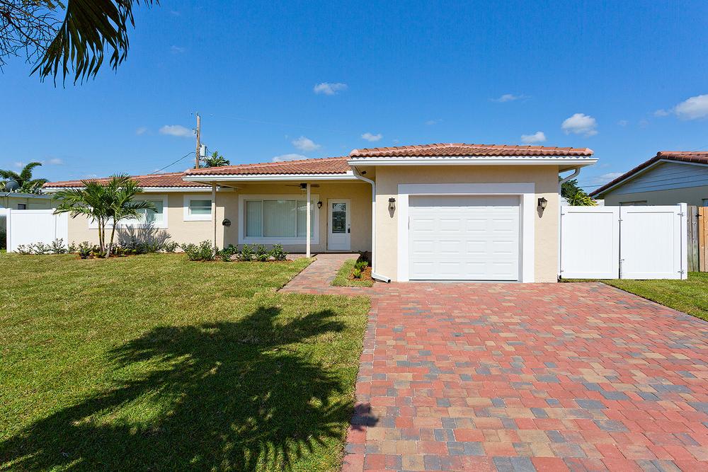 2755 NE 5th Ave Boca Woods $385,000 Sold Price