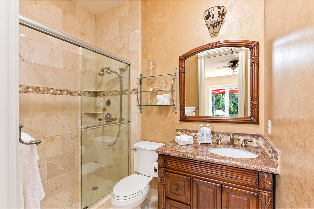 38_Bathroom4.jpg