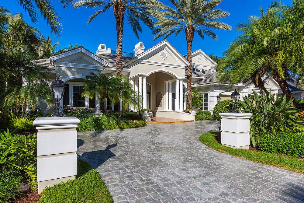 1999 Thatch Palm Drive Royal Palm Yacht & Country Club $2,850,000 Sold Price