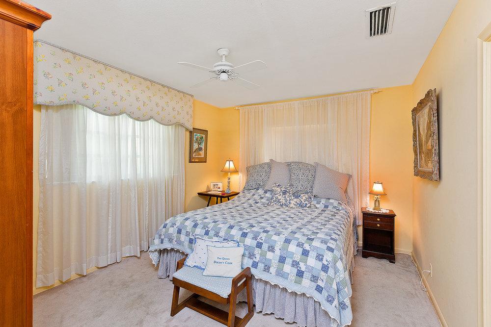 17_Bedroom4.jpg