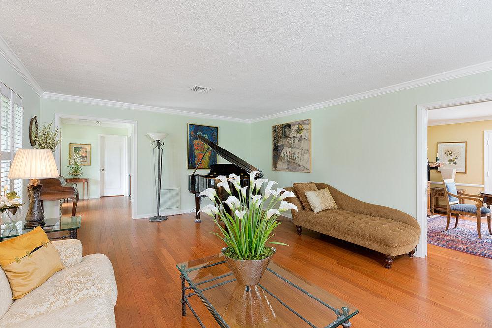03_Livingroom_Layout1.jpg