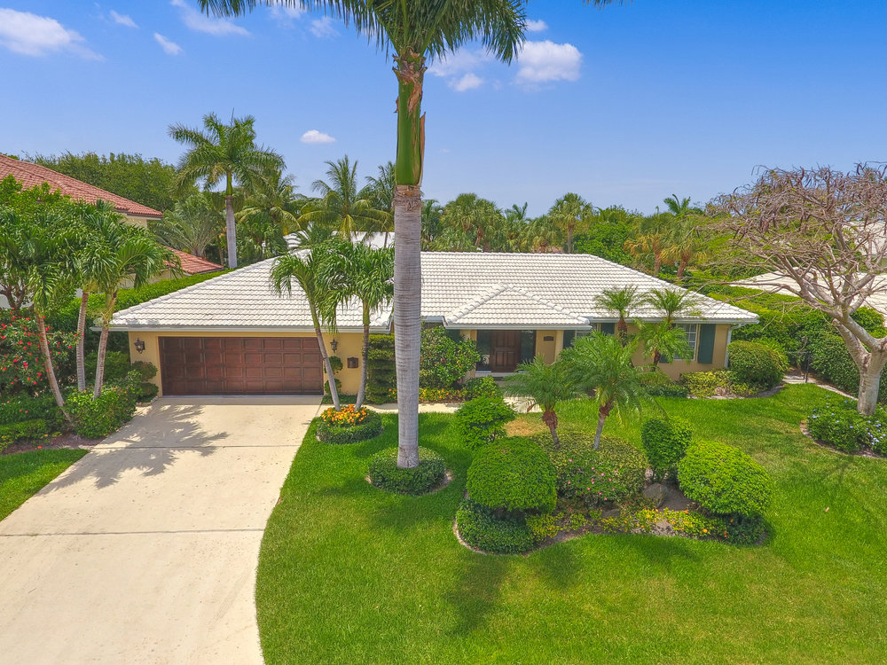 Royal Palm Yacht & Country Club 1717 Sabal Palm Drive 4 beds 3.5 baths 2,788 sq ft Year Built: 1968 Oversize Lot!