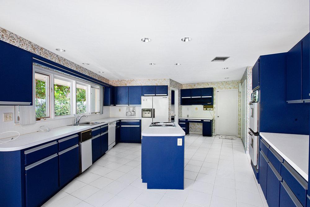 14_Kitchen_1.jpg