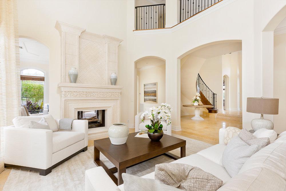 10_Livingroom_Layout1.jpg