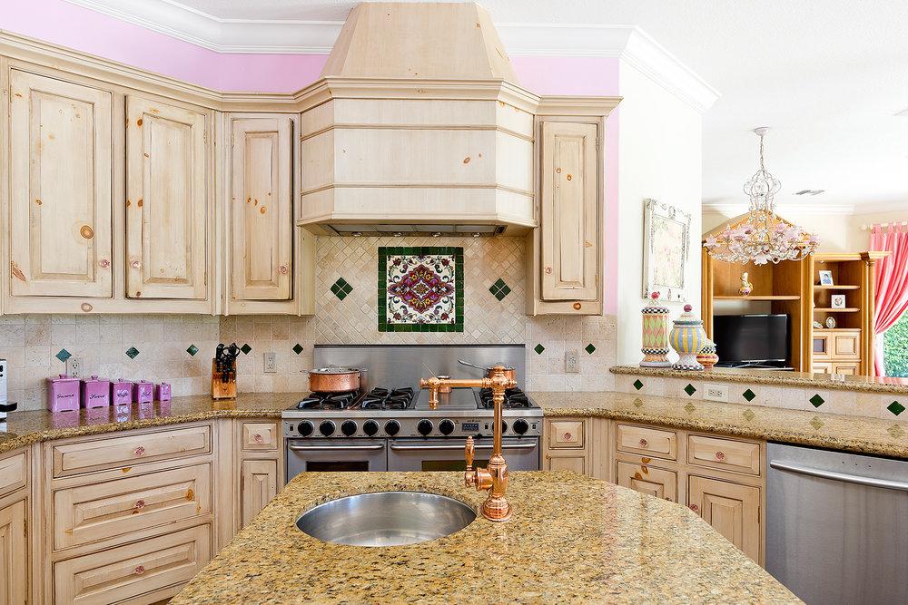 15_Kitchen_Detail.jpg