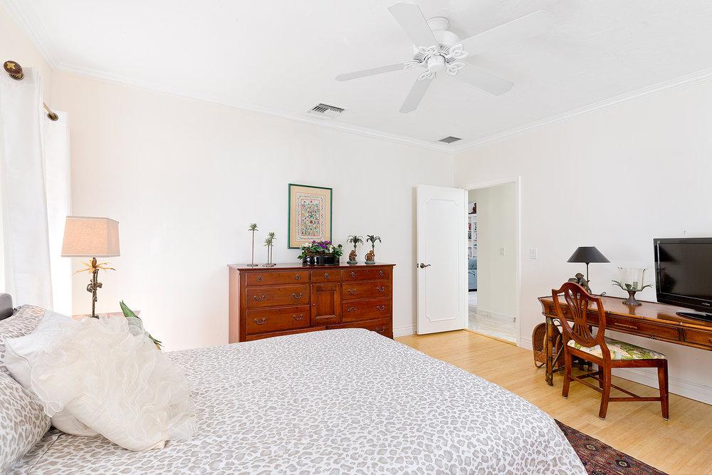 36_Bedroom4_2.jpg