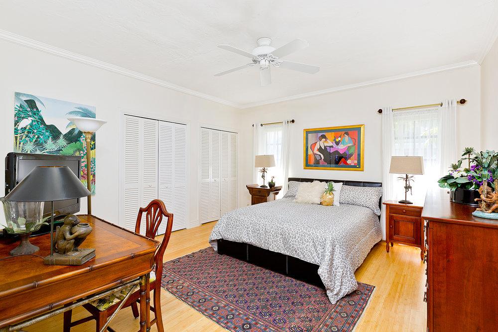 35_Bedroom4.jpg