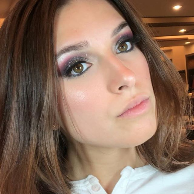 Smokey eyes with a pop of color on my beauty @danischwartz_