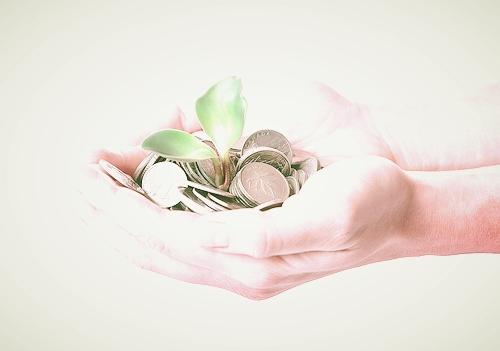 Money_hands.jpg