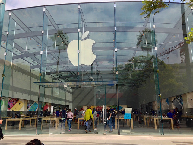 9. SANTA MONICA: Apple Store - 1415 3rd St. Promenade, Santa Monica, CA 90401 - $100 million