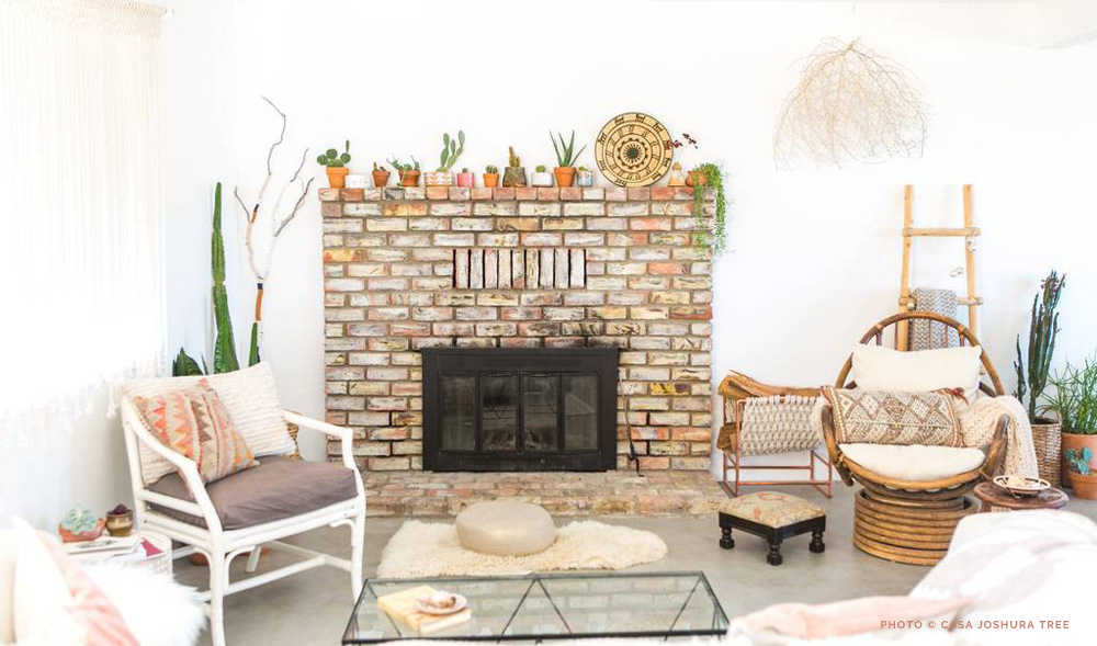 Above: My friend Lindsay's stunning home, Casa Joshua Tree. I love how she created a beautiful mantel vignette (at a low cost) with potted cacti.