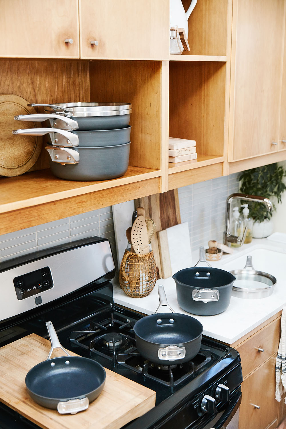 macys_cottage_cookware.jpg