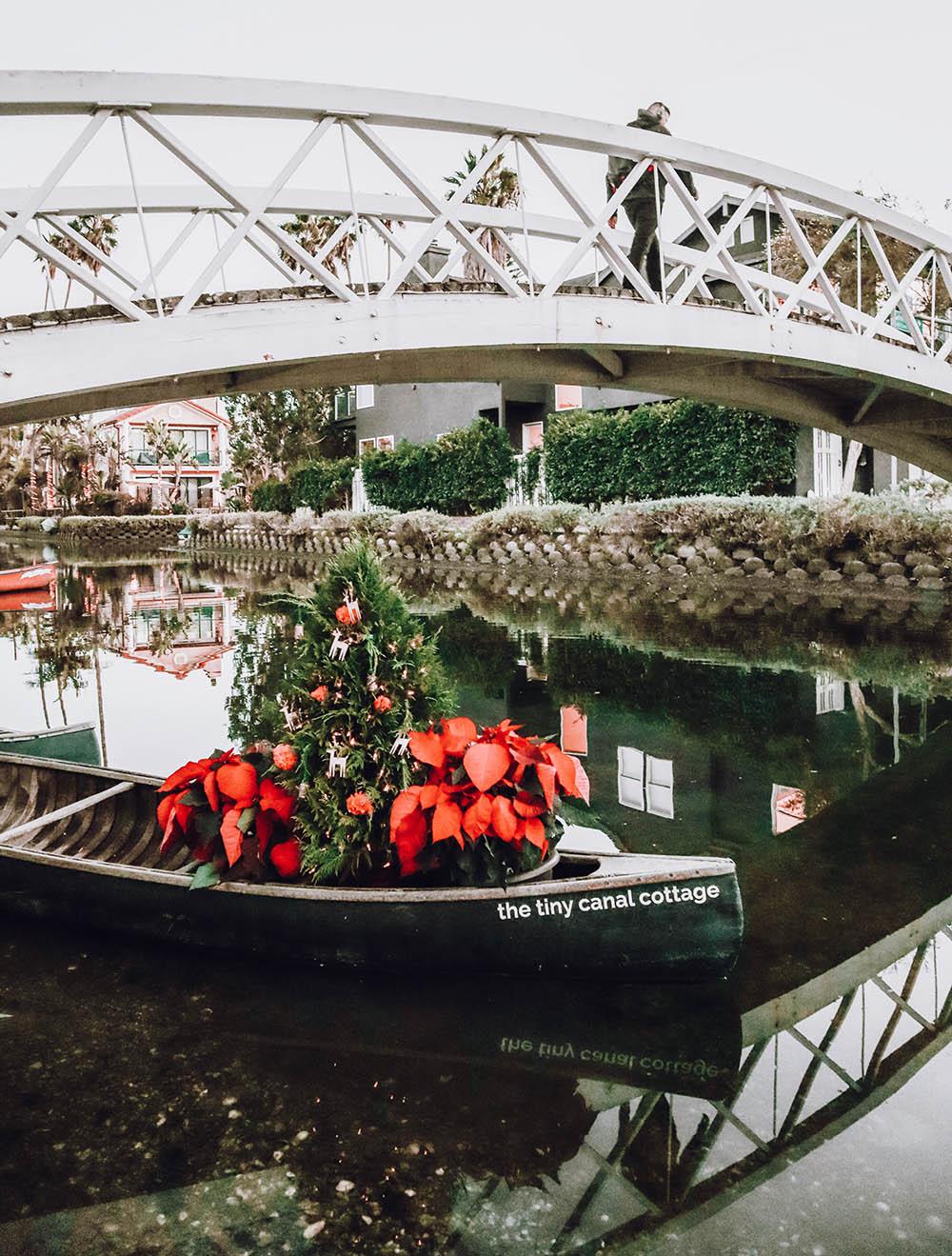 blog_tinycanalcottage_canoe_christmas.jpg