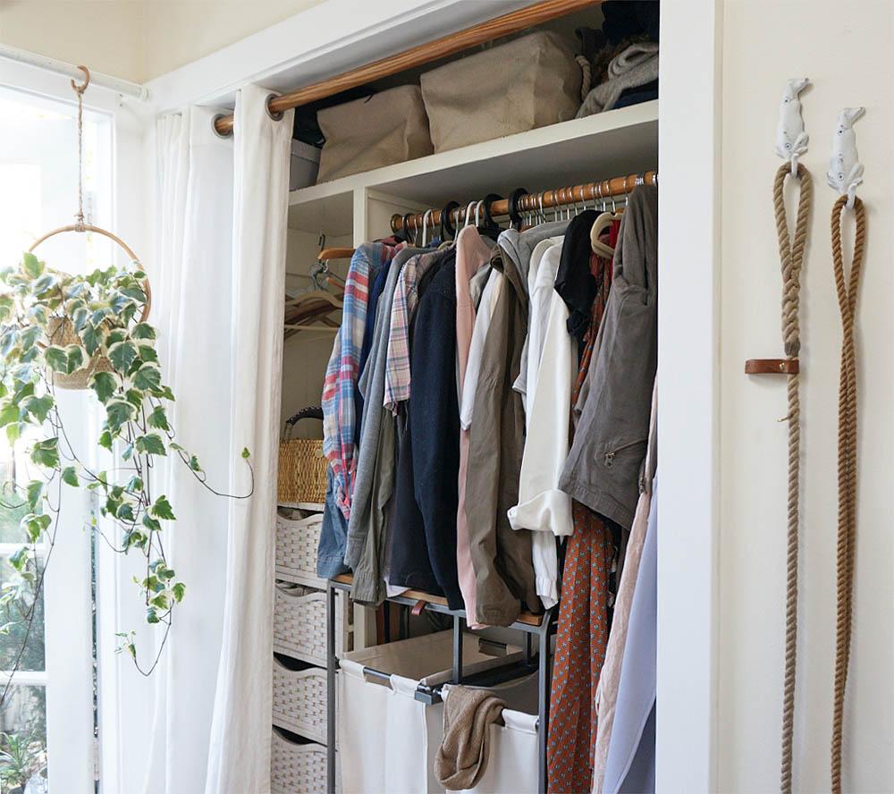 tinycanalcottage-closet.jpg
