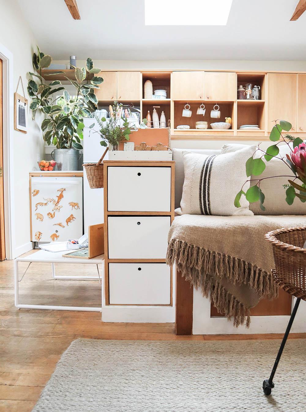 tinyhouse_builtin_drawers_1.jpg