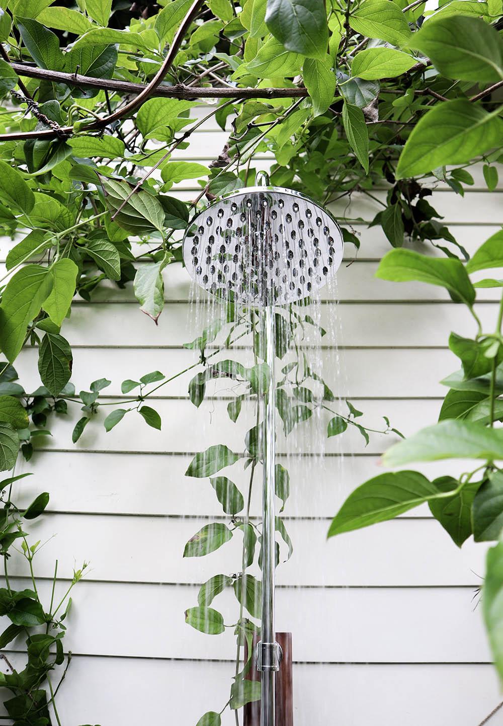 garden_shower_tiny_house.jpg