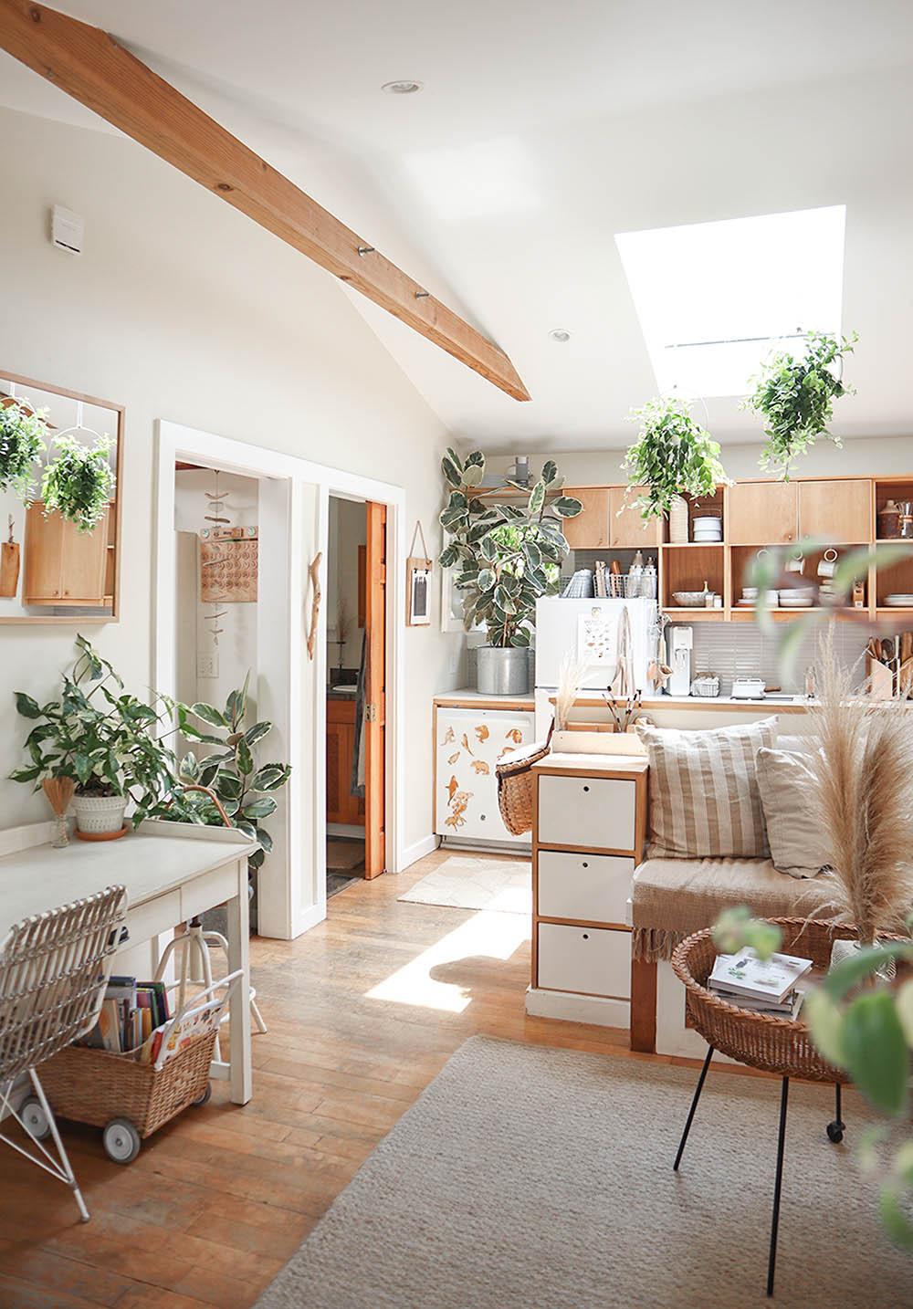 small_space_plants_tiny_house_1.jpg