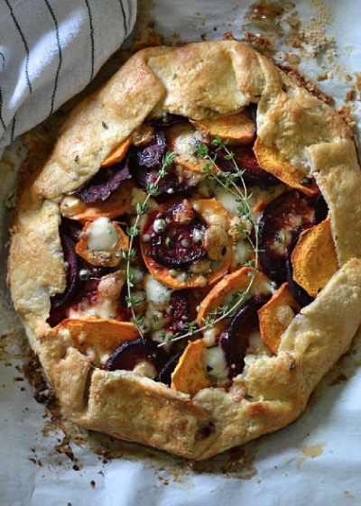 Bakeaholic Mama: Sweet Potato and Beet Galette with Gorgonzola Cheese and Thyme @https://www.pinterest.com/Cindylod/good-tasting-food/