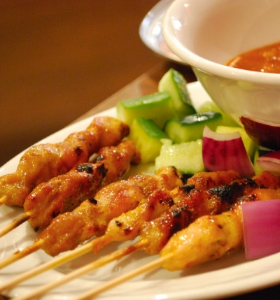 Frog Commissary chicken Satay (divine) https://sandboxvolcanocookbook.wordpress.com/2013/07/28/recipe-chicken-satay-with-spicy-peanut-sauce/