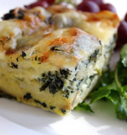 Breakfast Strata with Shallot and Spinach @www.homebeccanomics