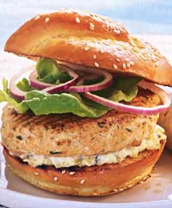 Recipe @http://www.epicurious.com/recipes/food/views/salmon-burgers-with-dill-tartar-sauce-105293