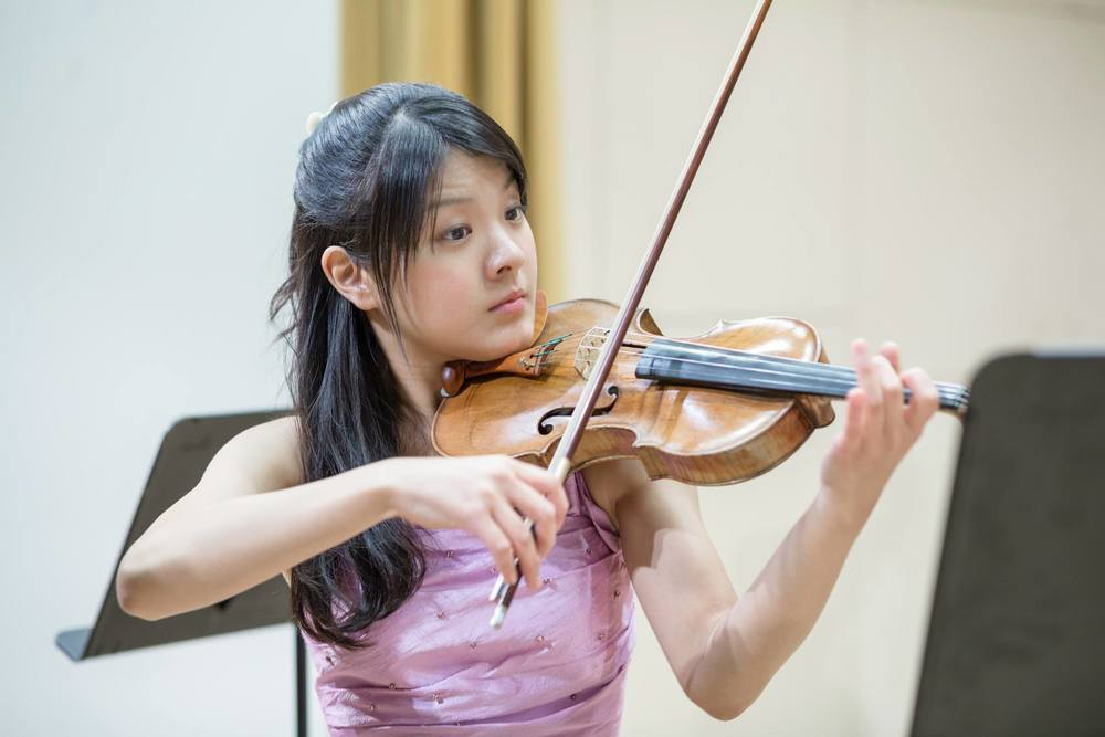 Sumire Hirotsuru ( Sumiley Cyrus '16)   ,  violin, concentrated in Music with a secondary in Global Health and was a beloved resident of Dunster House. S umire was also President of the Brattle Street Chamber Players and the Harvard Early Music Society. She loves Japanese food, Broadway musicals, Japanese kabuki theater, and buying clothes.