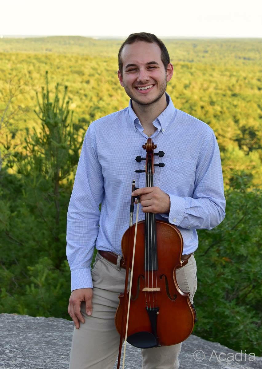 Nick Pelletier (NEC '19)  is a senior studying viola performance at NEC. He enjoys eating donkatsu, drinking boba tea, and singing karaoke while running along the Charles. Like the Yaoster, he is quite the multitasker. He also loves molecular cellular biology and Nintendo.