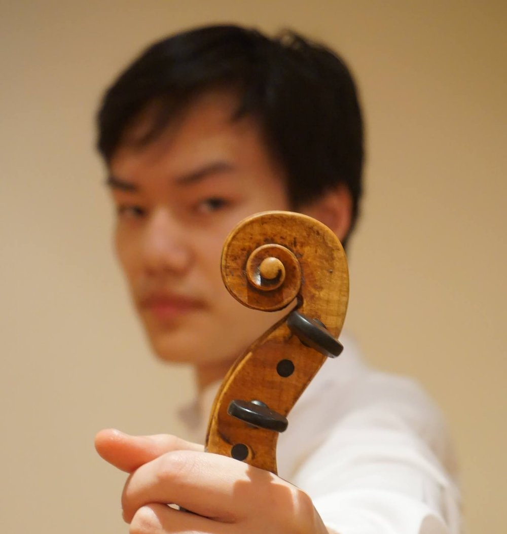 William Yao (Yaoster '21)  is a violinist and sophomore residing in Kirkland. Running, ping pong, and consuming boba are activities that he enjoys, always simultaneously. He loves the Mendelssohn string quartets but when he's trying to sound hip, he'll tell you his favorite composer is Schoenberg. And yes, Cecilia is his older (and superior) sibling.