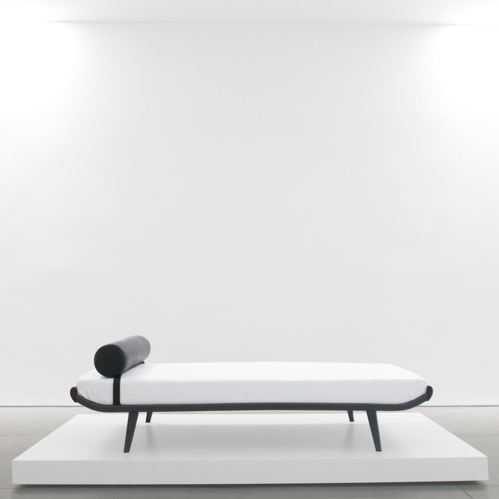 A.r. cordemeijer  'CLEOPATRA' DAYBED FOR AUPING  C. 1960 - 1969 ...
