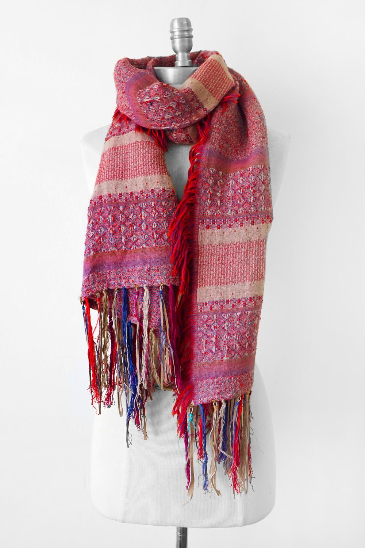 """Style No.: #8276  Color: Pale Mauve  Quality: Wool  Size: 27"""" x 72"""""""
