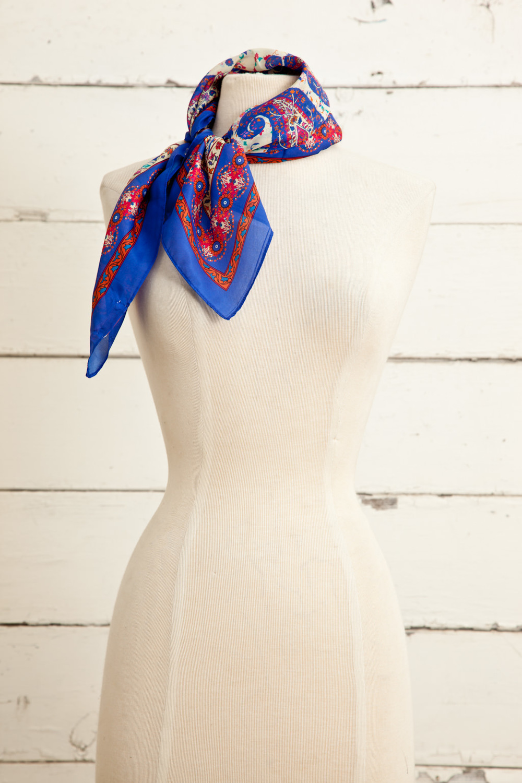 "Style No.: #8680  Color: Vanilla Cobalt Multi  Quality: Habutai Silk  Size: 26"" x 26"""