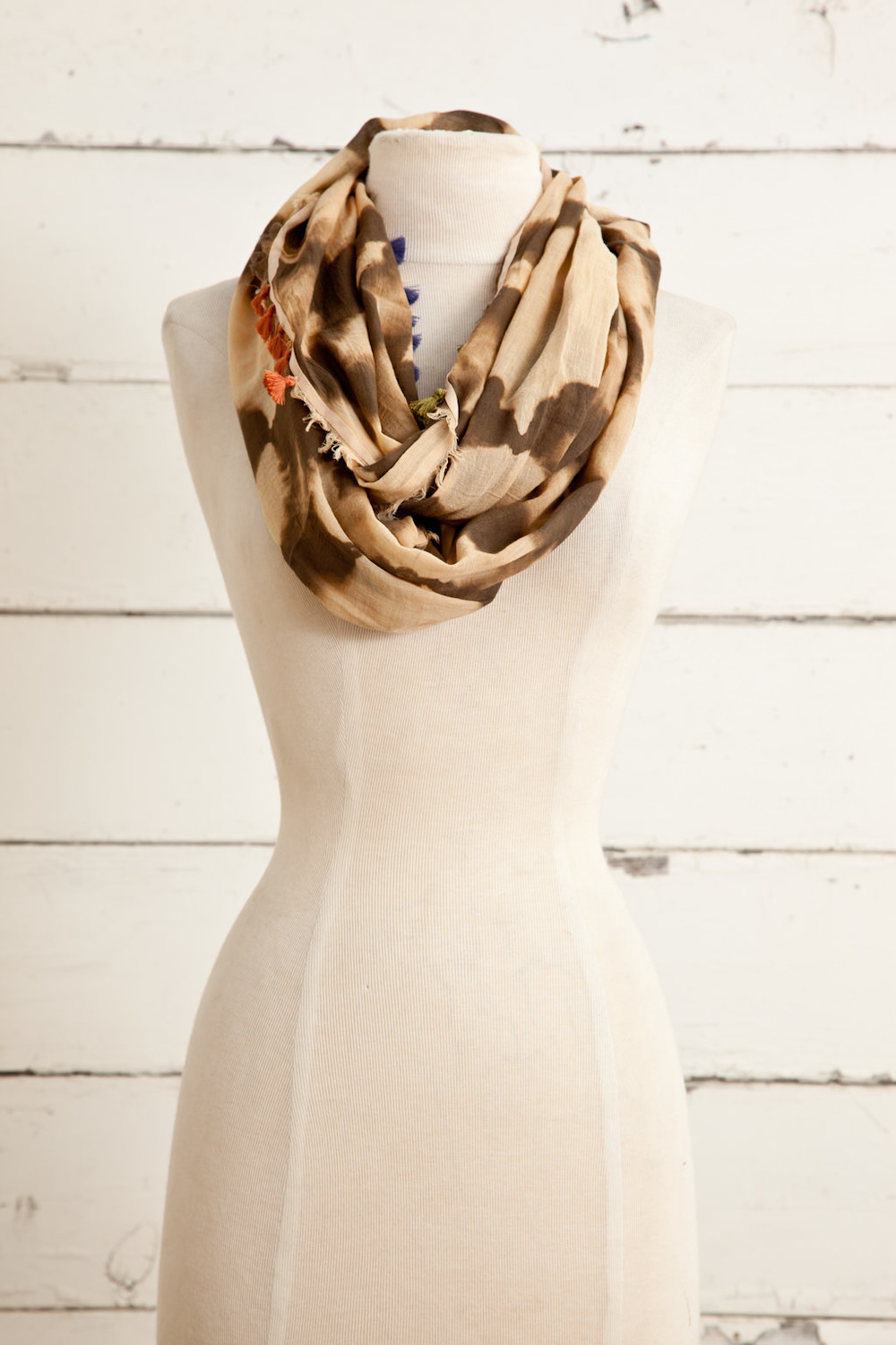 """Style No.: #8576  Color: Peach Olive  Quality: 100% Cotton  Size: 20"""" x 70"""" (Infinity)"""