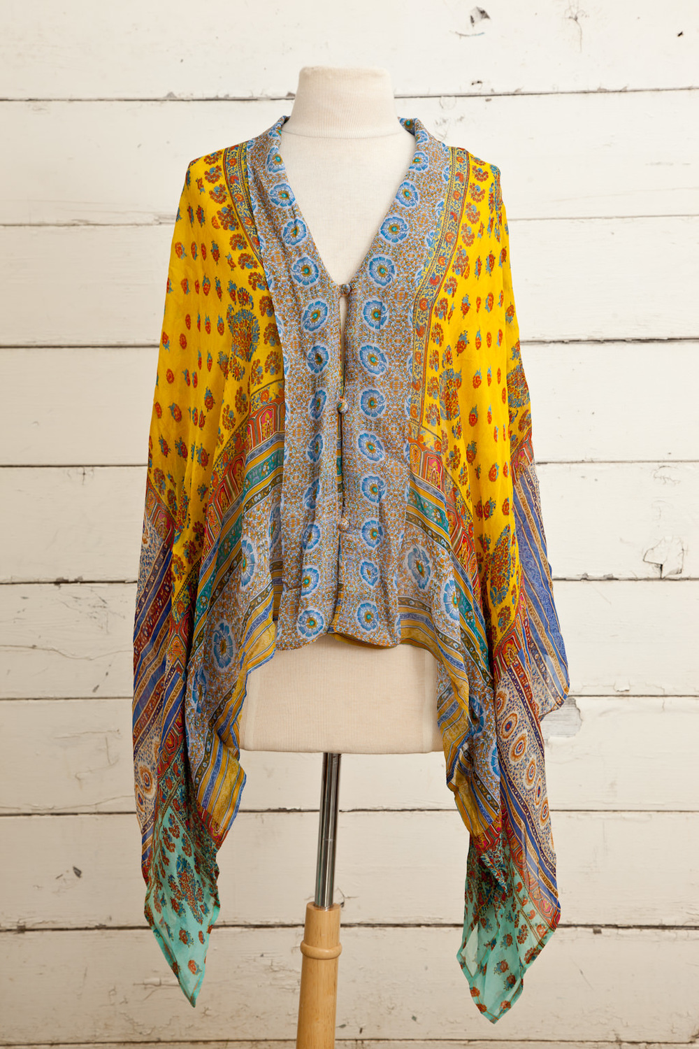 Style No.: #8364  Color: Lemon Sherbet Multi  Quality: Bamberg Georgette (Kimono)  Size: One Size