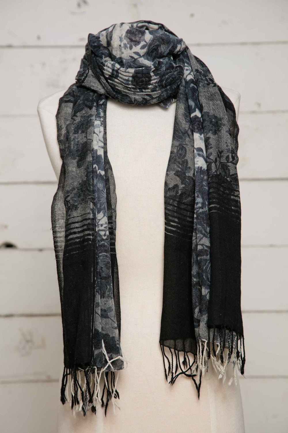 "Style No: 9142     Color: IVORY BLACK    Size: 40"" x 78""    Description: WOOL SCARF"